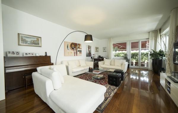 MM Domodossola/Via Arona Prestigioso appartamento con terrazzi e boxes