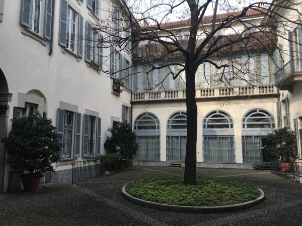 Via San Maurilio 9 Milano – 01