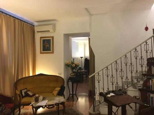 Via San Maurilio 9 Milano – 10