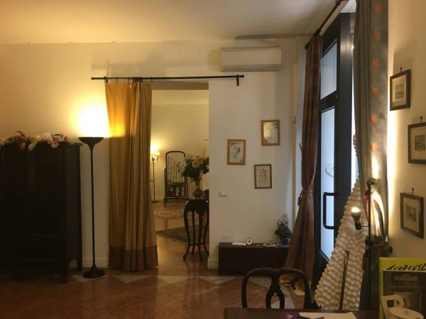 Via San Maurilio 9 Milano – 11