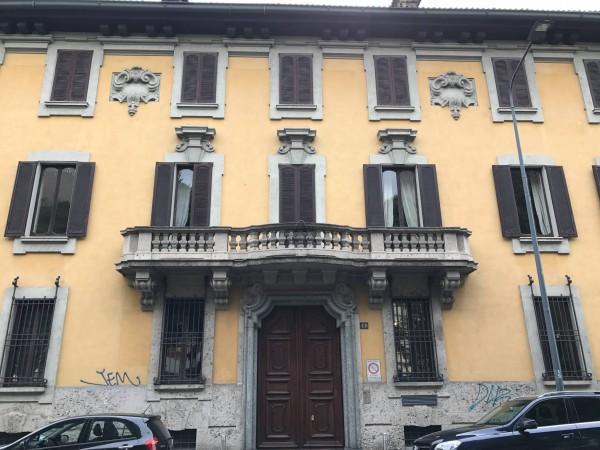Appartamento viale di Porta Vercellina 11, Milano