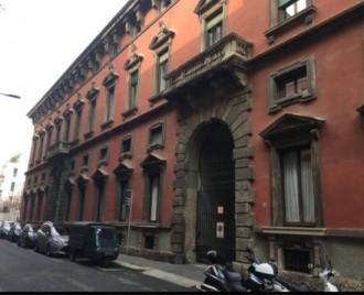 Trilocale in via Lanzone 2 a Milano